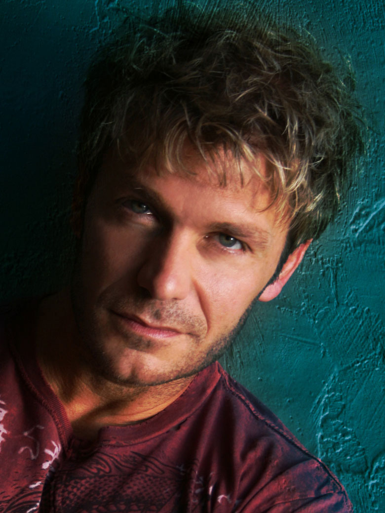 Vic Mignogna photo